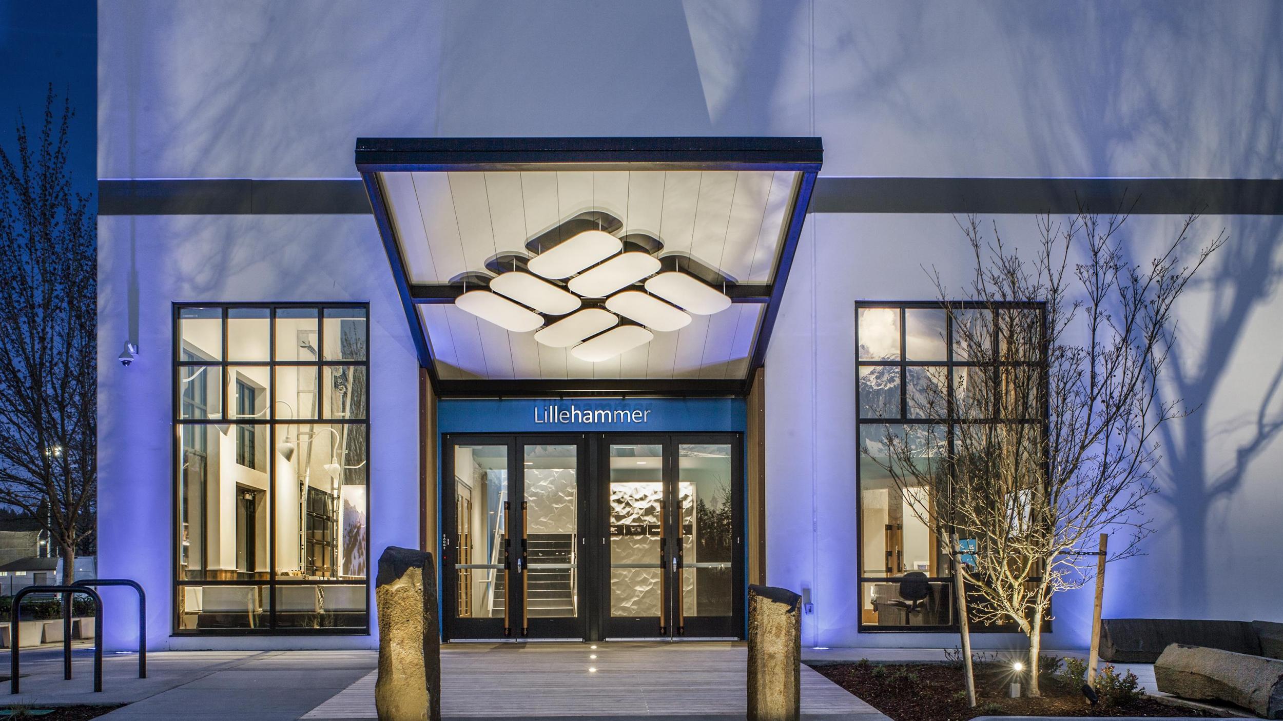87c736ea374 Columbia Sportswear Campus - GBD Architects